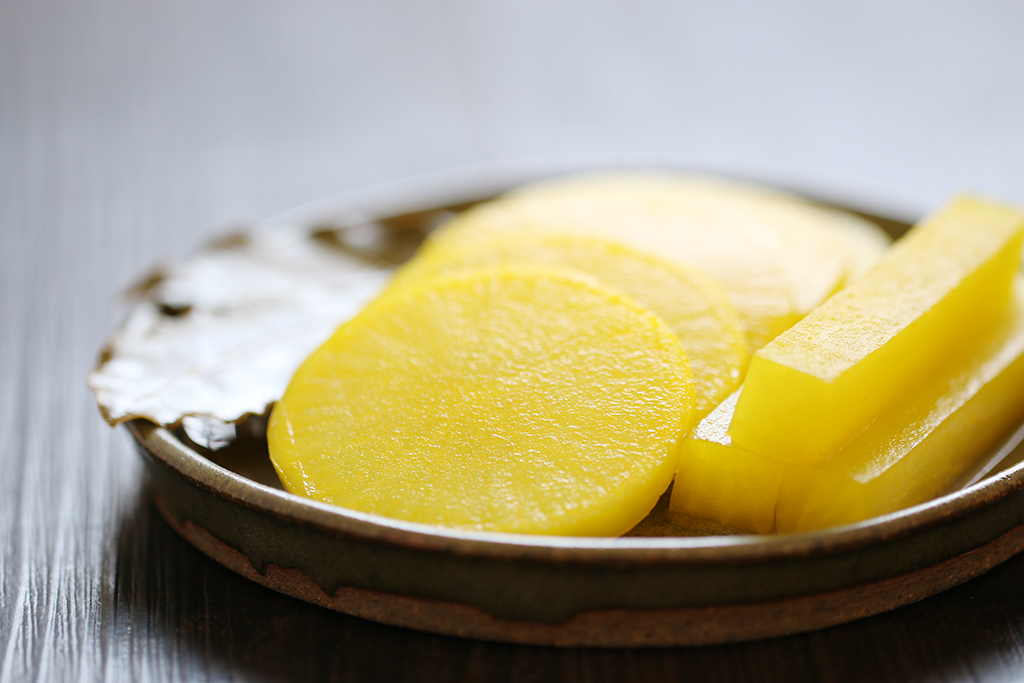 Yellow Pickled Radish Danmuji (korean yellow pickled radish ) ma ...