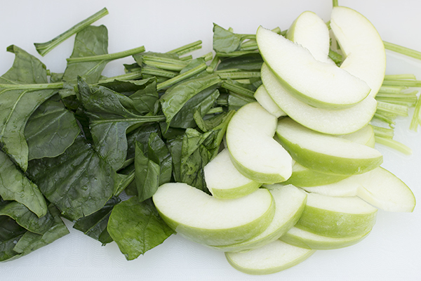 Green Apple Spinach Juice Step 1